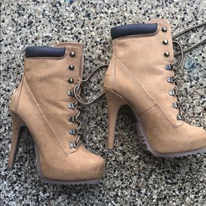 Shoes - Heel boots size 7